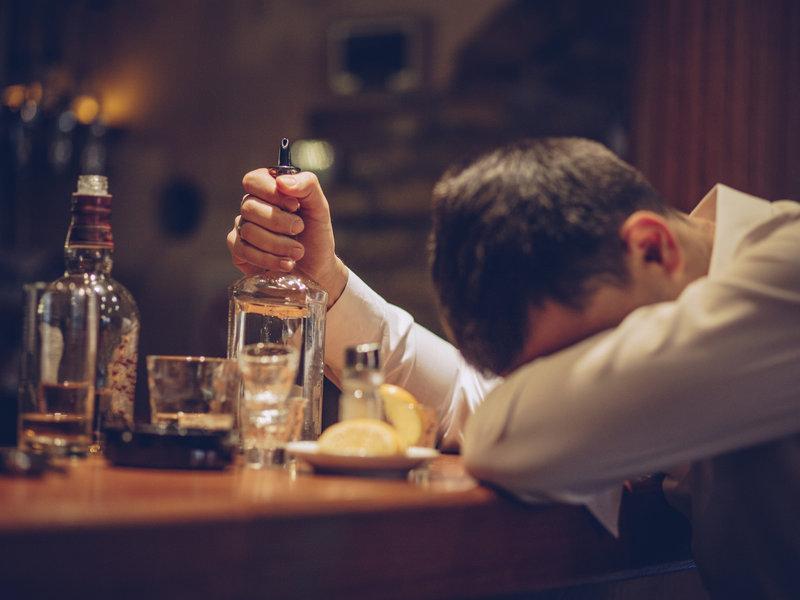 การดื่มสุรา