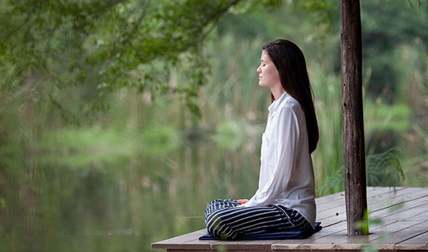 5 วิธีจัดการความเครียด นั่งสมาธิ