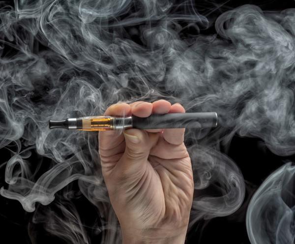 การสูบบุหรี่อิเล็กทรอนิกส์ 1