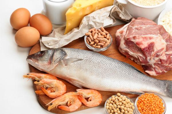 4 วิธีลดกินจุบจิบ-เน้นโปรตีน