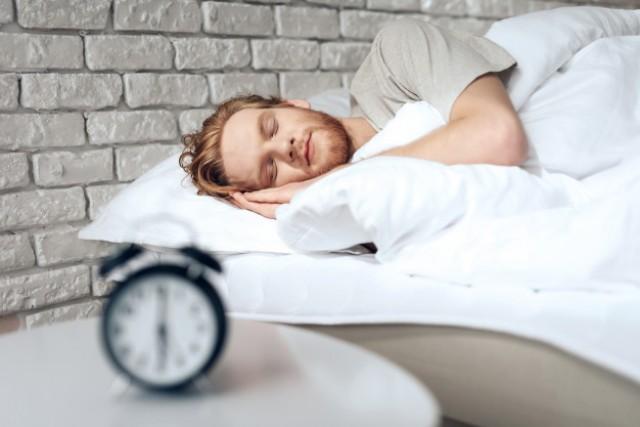 ปัญหาการนอนกัดฟัน-ครอบฟันเซรามิค