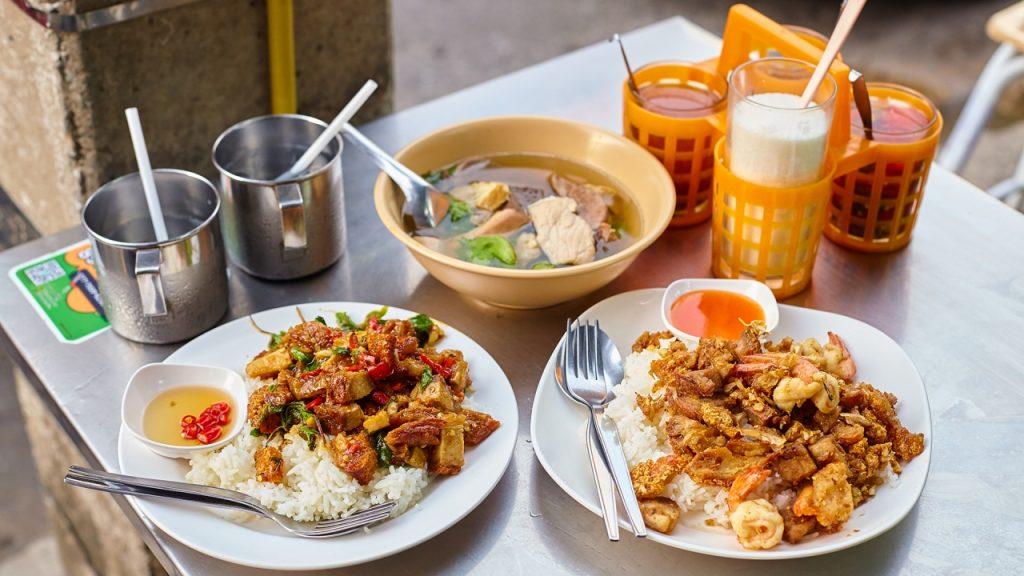 การเลือกทานอาหารตามร้านค้า-ร้านอาหารตามสั่ง