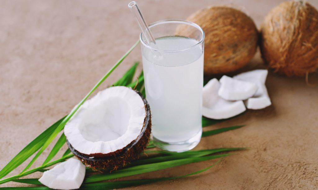 ข้อดีของน้ำมะพร้าว