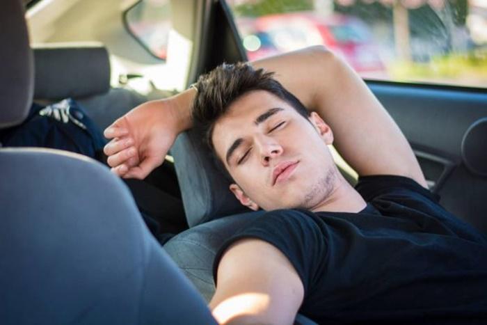 ภัยอันตรายจากการหลับในรถ