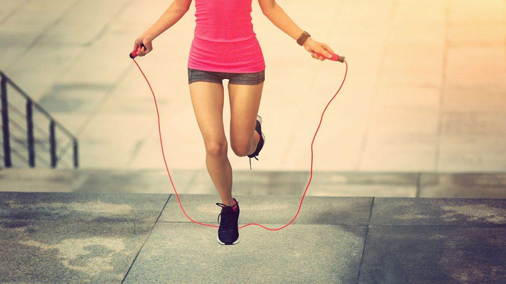 เคล็ดลับควบคุมน้ำหนัก - วิ่งหรือกระโดดเชือก