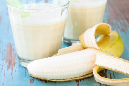 อาหารสำหรับคนที่มีปัญหาท้องผูก- การทานกล้วยน้ำว้ากับนมสด